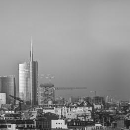 Digital Academy sfondo skyline Milano